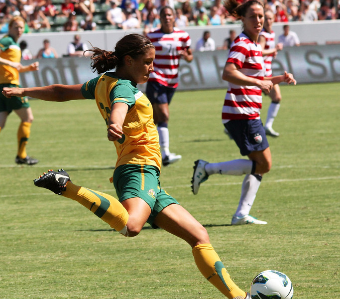 Sam_Kerr_playing_against_USWNT_2012.jpg